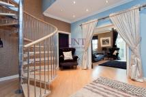 2 bed Duplex in Regents Drive...
