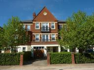 4 bed Town House to rent in Brandesbury Square...