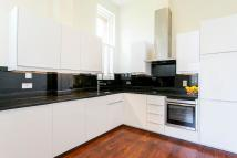 2 bedroom Apartment in Richmond Drive...