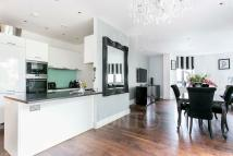 Apartment in Whitehall Road...