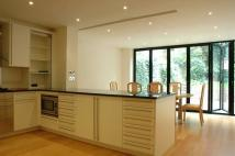 4 bed Town House to rent in Harley Road...
