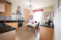 3 bedroom Flat in Brookwood Road...