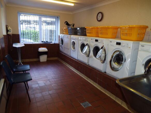 Residents Laundry Ro
