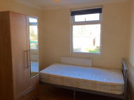 Flat to rent in Nags Head Road, Enfield...
