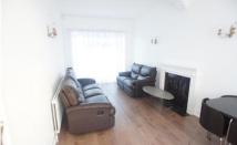 4 bed Detached property in  Hall Lane,  London, E4