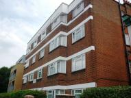 2 bedroom Flat in Lordship Lane,  London...