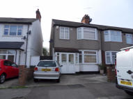 4 bed Terraced house to rent in  York Road,  London, E4