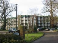 Flat to rent in Nonington Court...