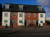 4 bedroom Town House to rent in Oldham Road...