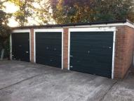 property to rent in Englefield Close Enfield (Garage)