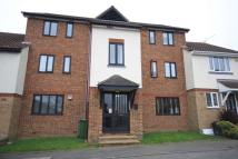 Flat to rent in Robinia Close...