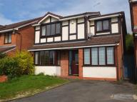 Detached property in Buttercup Close...