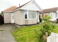 Detached Bungalow to rent in Grosvenor Avenue, RHYL...