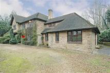 Detached property in Barnet Lane, Totteridge