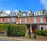 4 bed Terraced house in Singlewell Road...