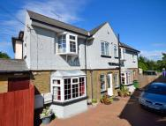 3 bed Detached home in Darnley Road, Gravesend