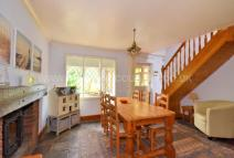 3 bedroom Detached property in Rhododendron Avenue...