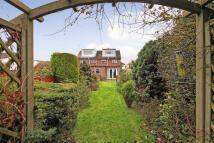 4 bedroom semi detached property for sale in Bridge Road, Wickford