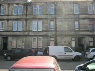 Flat to rent in Blackhall Street