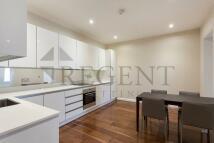 2 bedroom Flat to rent in Bream's  Buildings...
