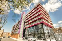 Apartment to rent in Rochdale Way, London, SE8