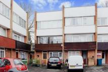 4 bedroom Terraced house for sale in Horwood Close   ...