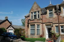 4 bed semi detached house in Southside Place...