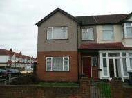 3 bedroom End of Terrace property to rent in Red Lion Road, Tolworth...