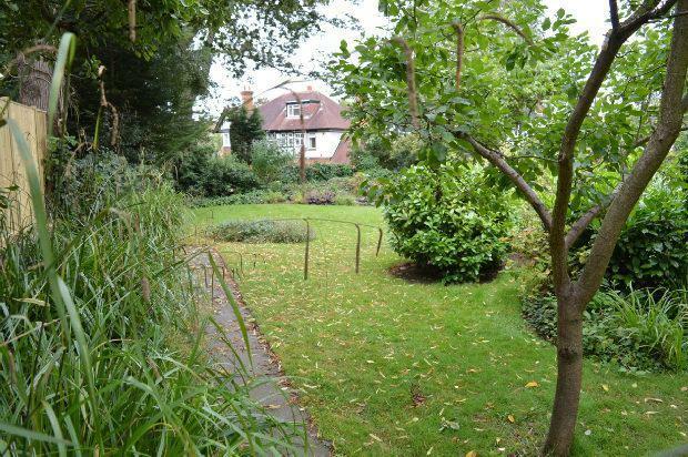 Communal Garden Extr