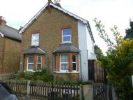 Maisonette to rent in Egmont Road, Surbiton