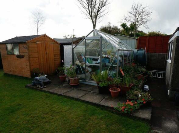 Greenhouse/sheds