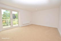 2 bedroom Apartment in St Annes Drive, Redhill