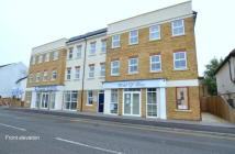 2 bed Apartment to rent in Station Road, Horley