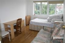 Flat to rent in Finchley Lane, Hendon...