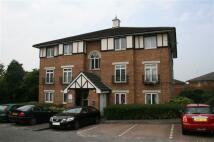 Flat to rent in Wenlock Gardens, Hendon...