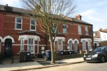 Flat in Ravenshurst Avenue...