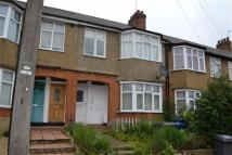 2 bedroom Ground Maisonette in Victoria Road, Hendon...
