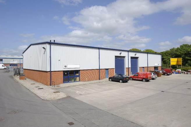 Commercial Property Trade : Trade counter to rent in unit common bank industrial