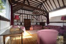 Barn Conversion to rent in Beautiful period...