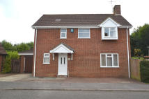 Detached property to rent in Moreton Drive, Buckingham