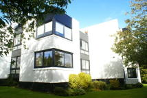 3 bed Flat in 3 Lawmarnock House...