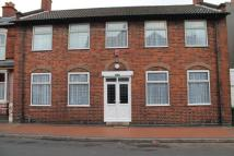 Town House to rent in Sydenham Road, Smethwick...