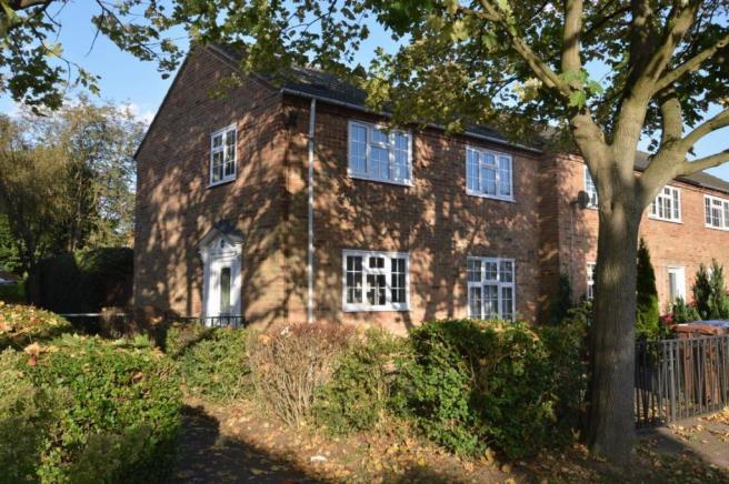 3 bedroom terraced house to rent in lady grove welwyn