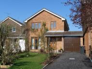 Barnes Close Link Detached House to rent