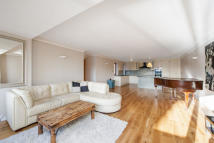Flat for sale in William Morris Way...