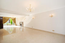 5 bed house in Windermere Road...