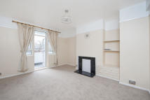 Flat in Munster Road, London, SW6