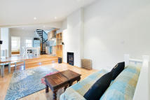 Flat to rent in Orbain Road, London, SW6