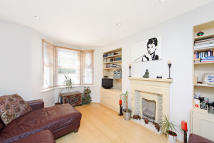 1 bed Flat to rent in Chesson Road, London, W14