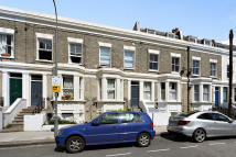 Ground Flat in Chesson Road, London, W14